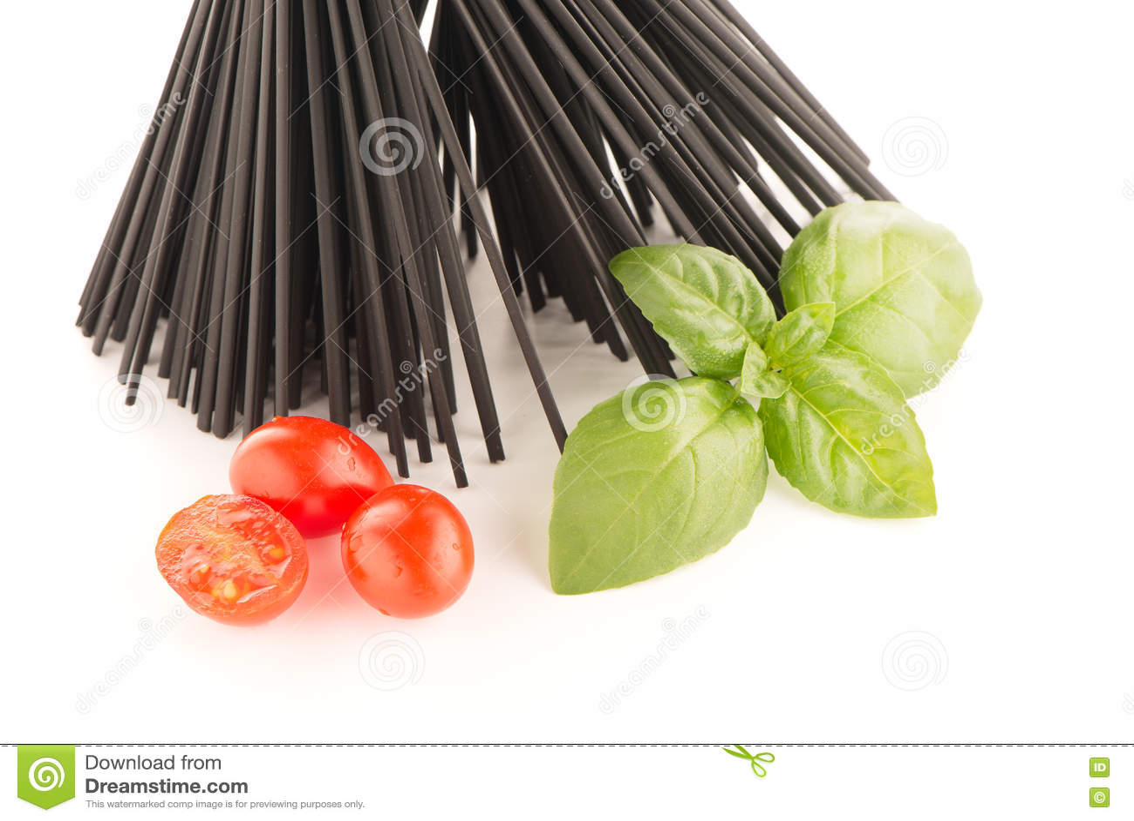 Groupe de spaghetti noirs