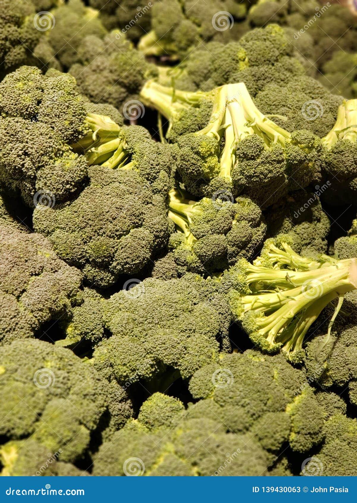 Groupe de têtes de brocoli