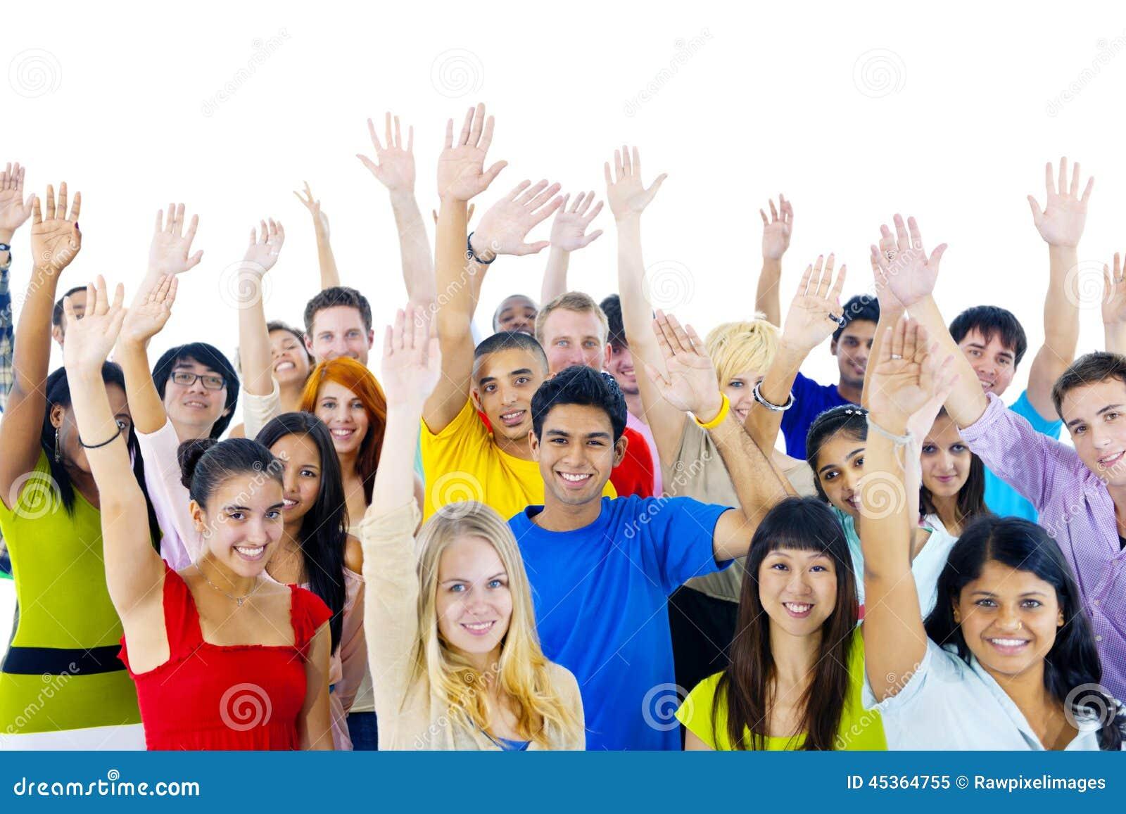 Groupe des jeunes de partout dans le monde
