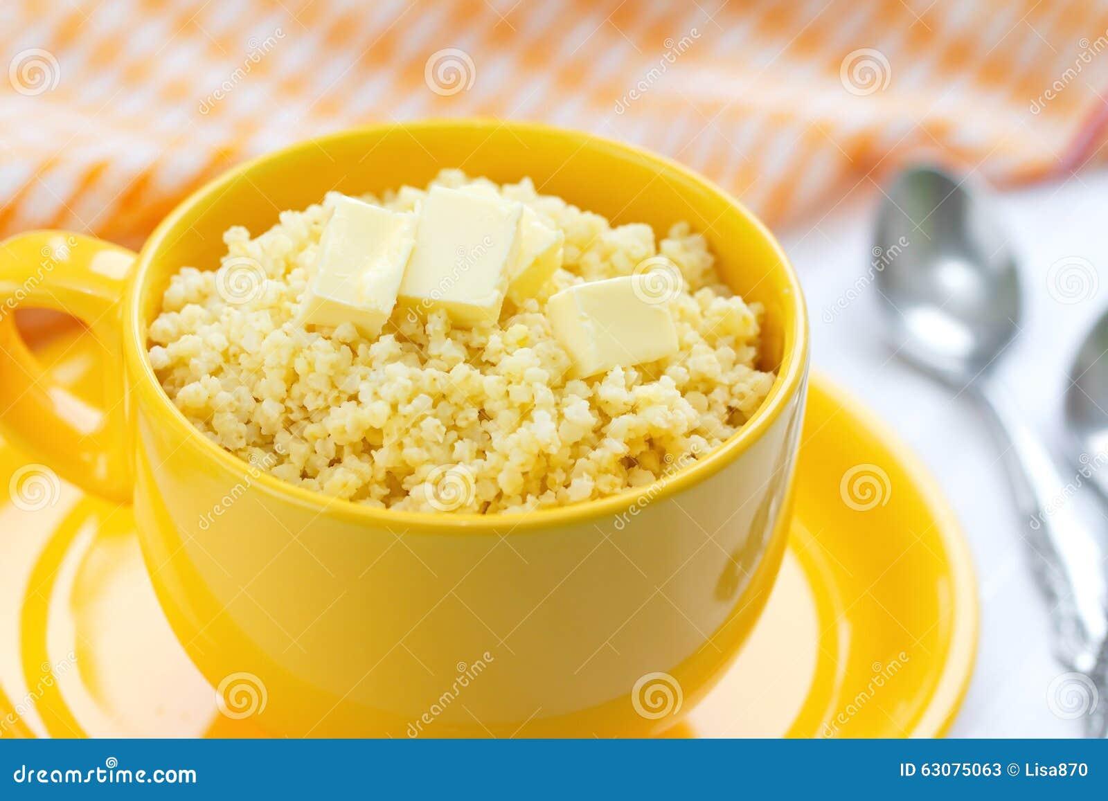 Download Gruau De Millet Avec Du Beurre Et Le Lait Image stock - Image du lait, cuvette: 63075063