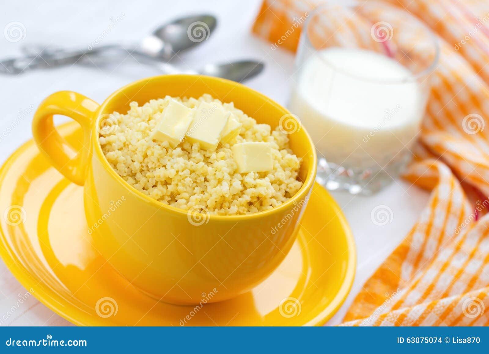 Download Gruau De Millet Avec Du Beurre Et Le Lait Photo stock - Image du millet, chaud: 63075074