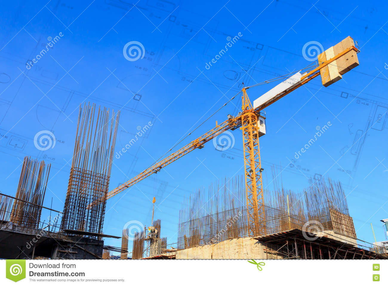 Grue de b timent et chantier de construction sous le ciel for Plans et dessins de construction