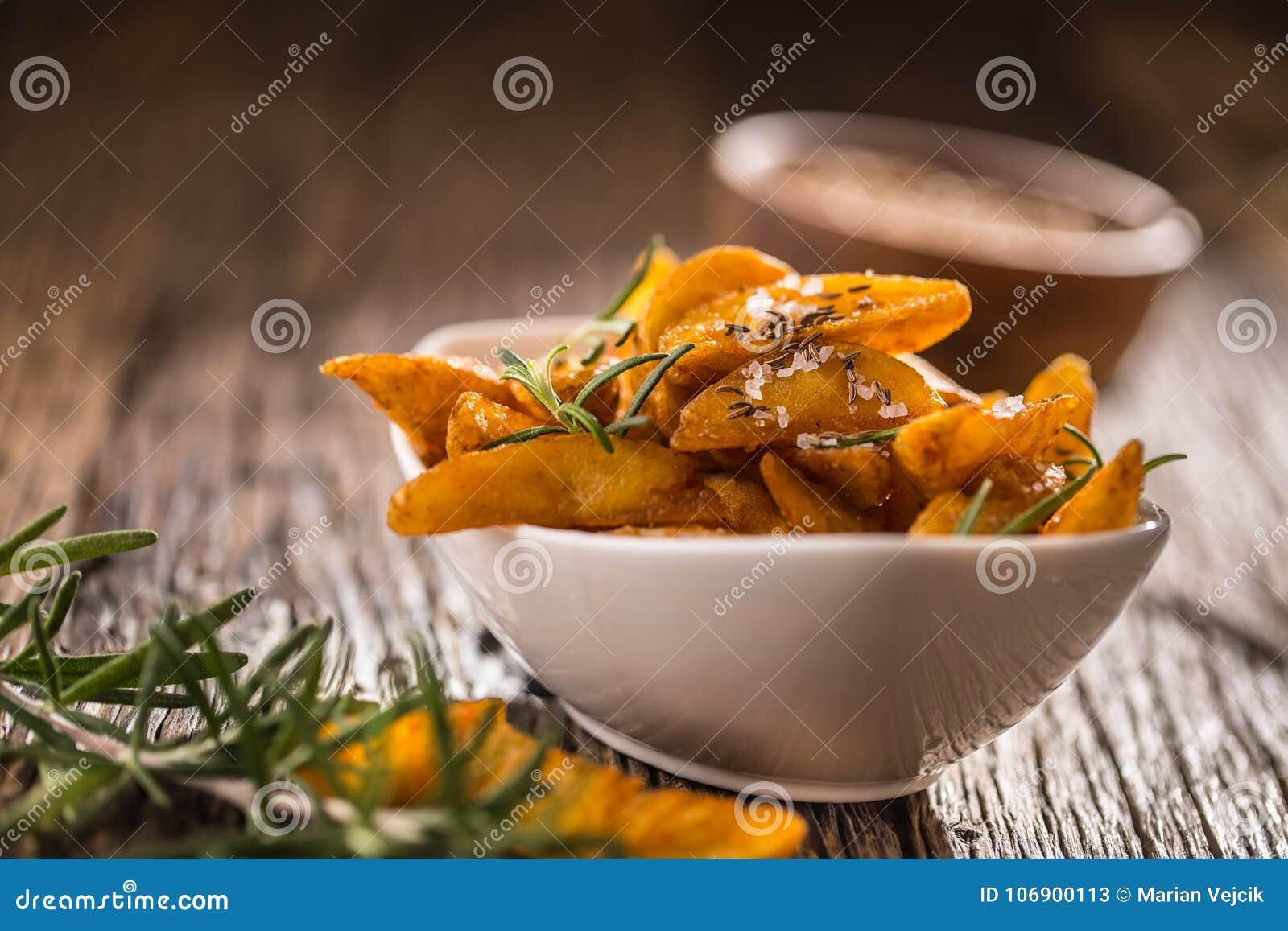 Grule Piec amerykańskie grule z rozmarynu kminem i solą