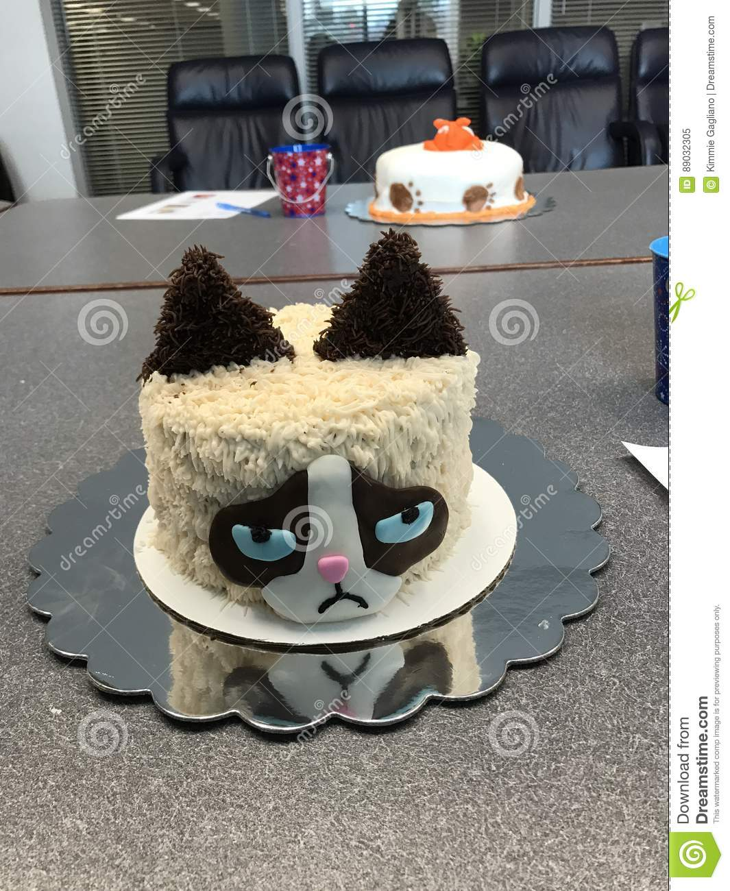Tremendous Grumpy Cat Cake Editorial Image Image Of Grumpy Food 89032305 Funny Birthday Cards Online Inifofree Goldxyz