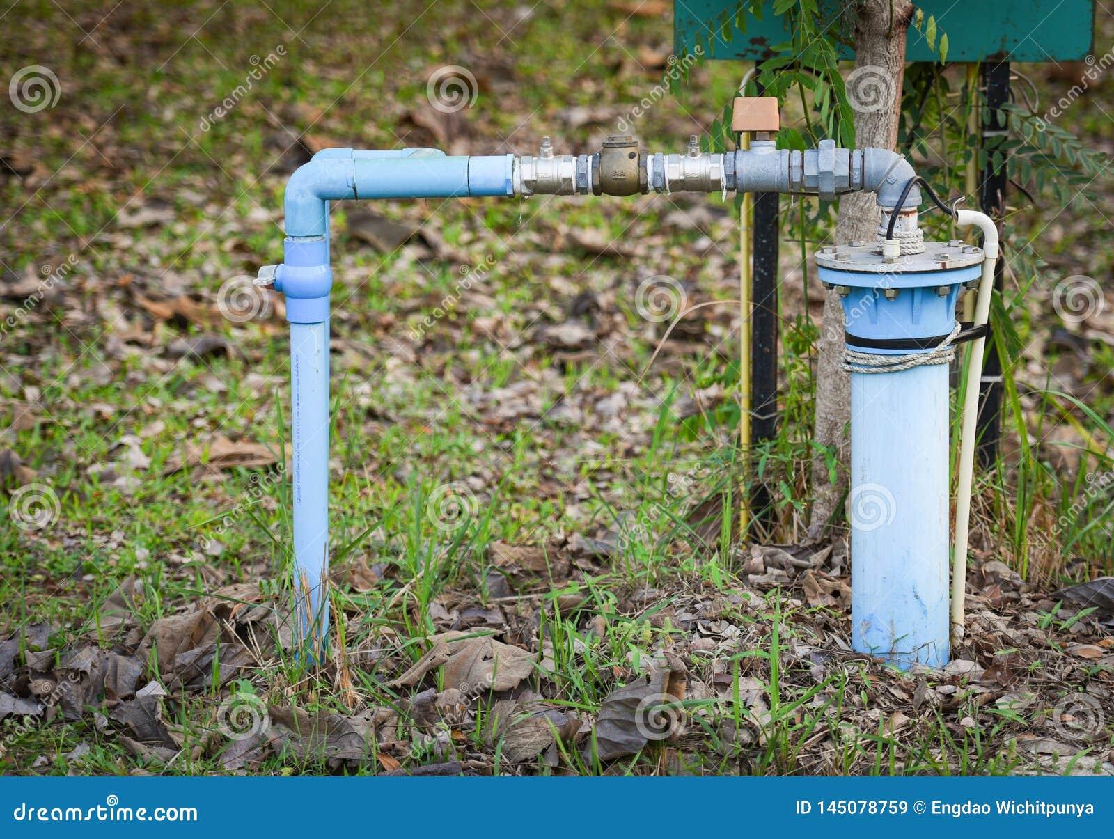 Grundwasser gut mit versenkbarem Pumpenwasser PVC-Rohres und des elektrischen Tiefbrunnens des Systems