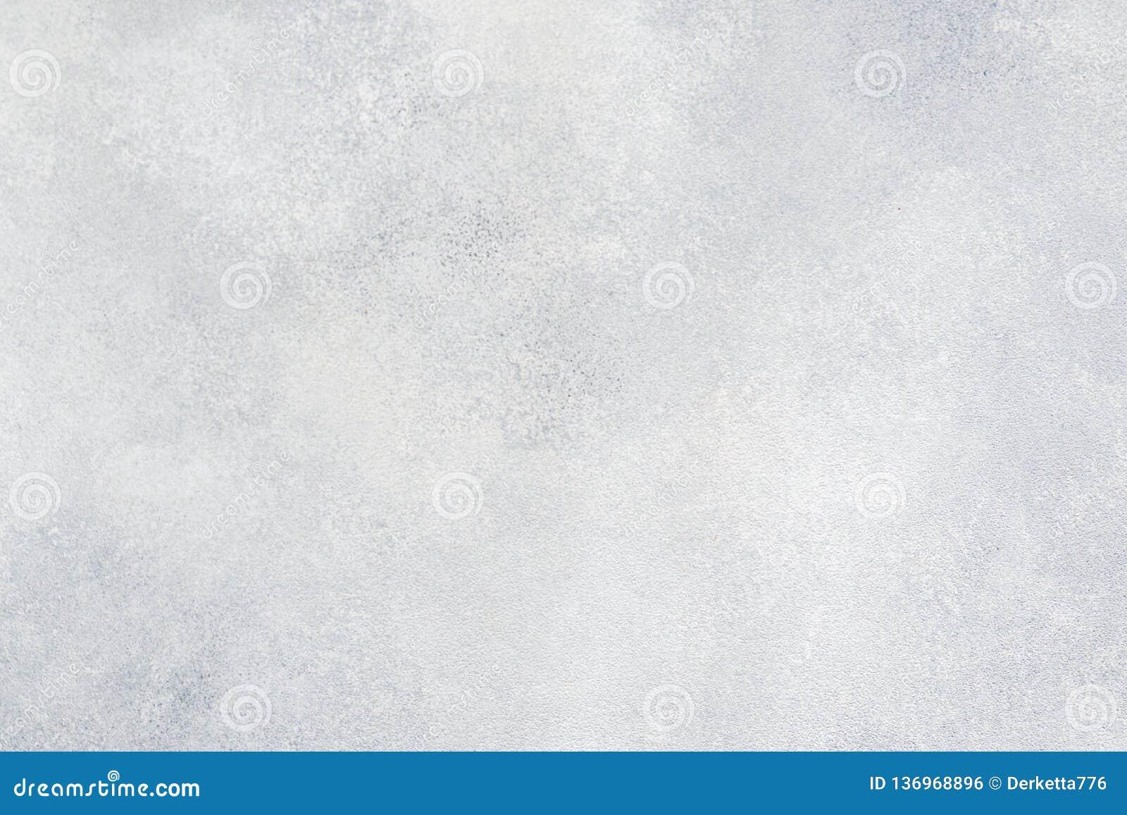 Grungy biały betonowej ściany tło tło wyszczególniająca czerepu wysoka kamienna ściana Cementowa tekstura