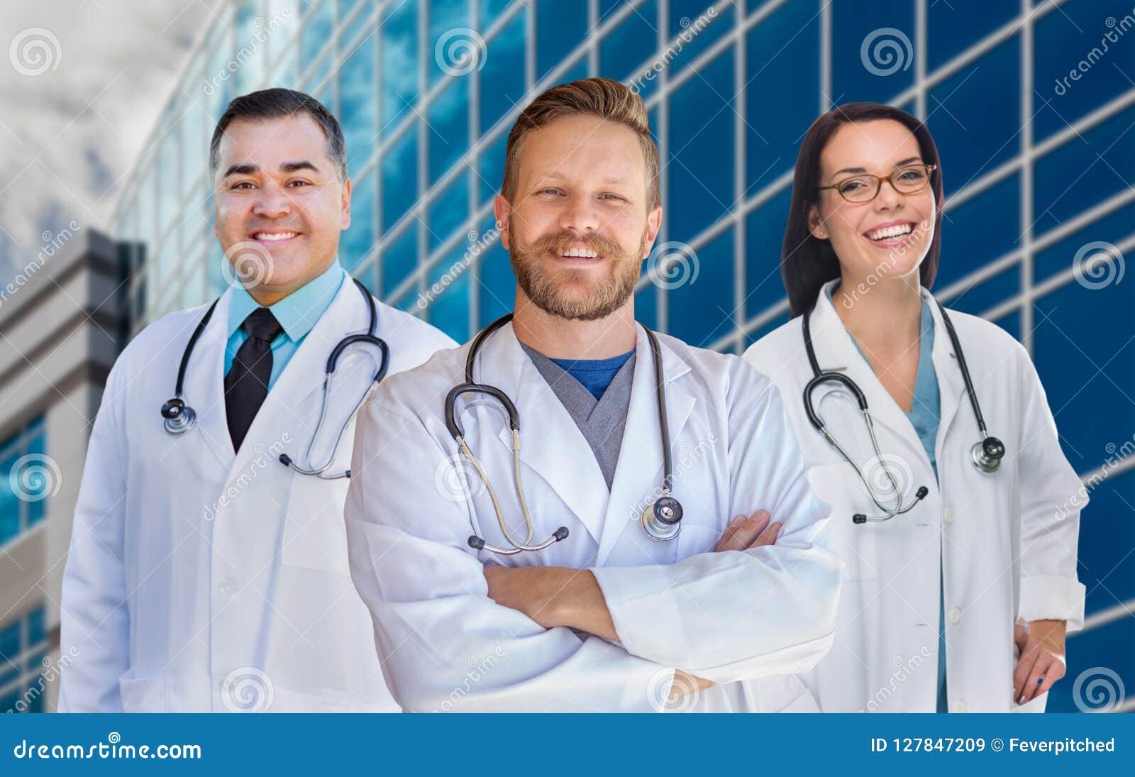 Grupa Mieszana Biegowa samiec, kobiet pielęgniarki szpitalem i lekarki lub