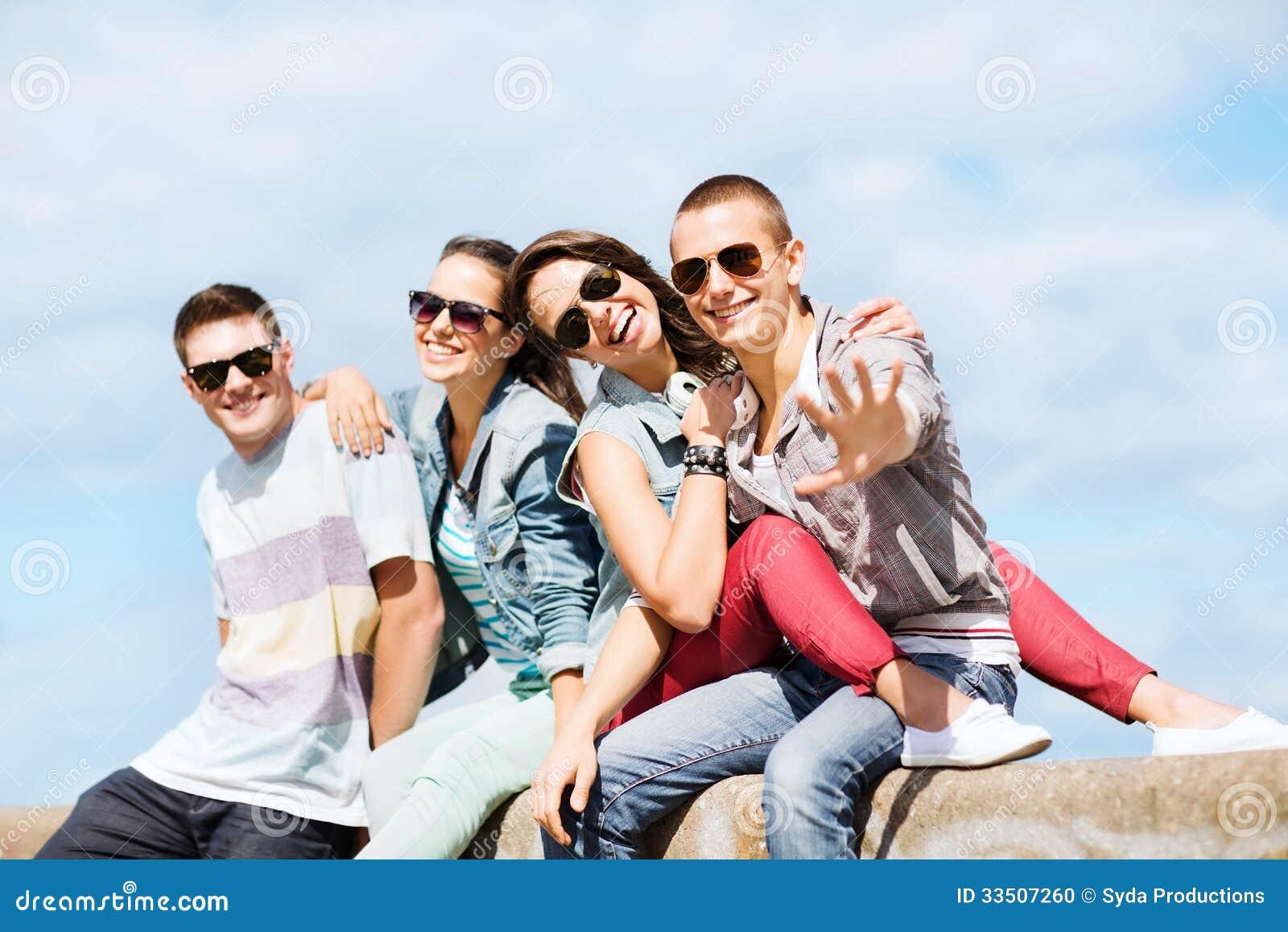 Grupo De Adolescentes Imgenes De Archivo, Vectores, Grupo