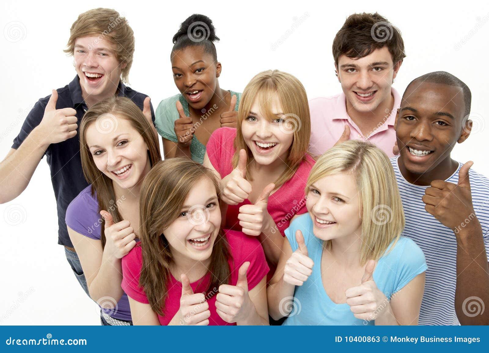 Grupo De Jovenes Fotos y Vectores gratis