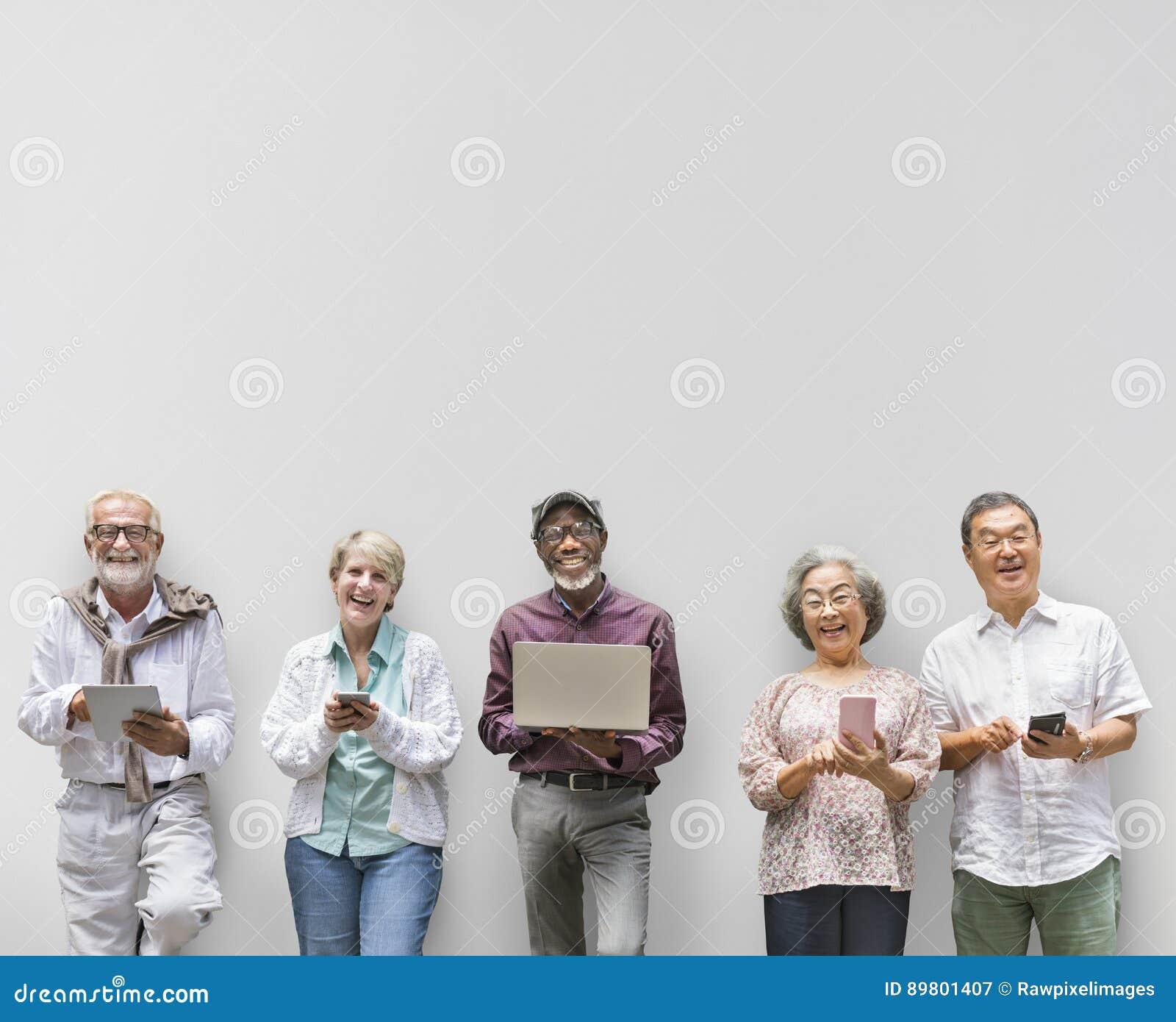 Grupo de aposentadoria superior usando o conceito do estilo de vida de Digitas