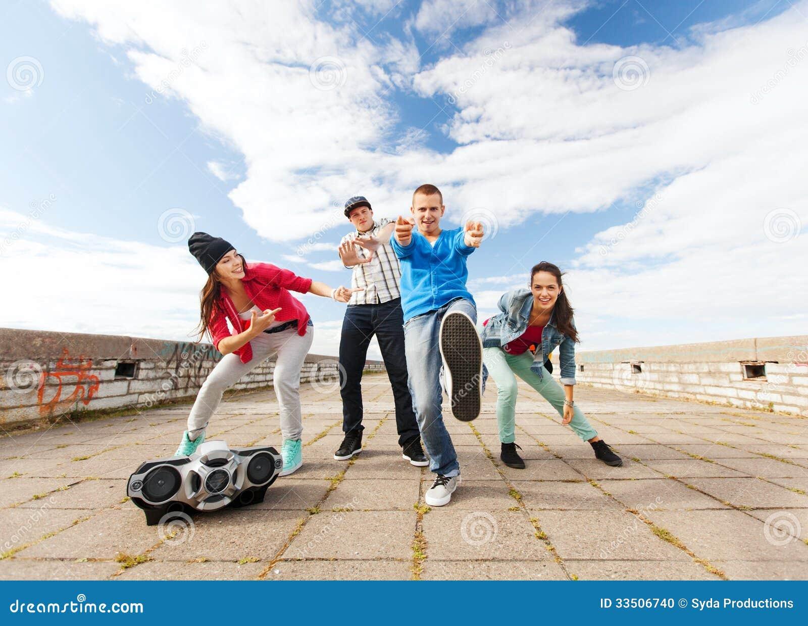 Clubes de baile para adolescentes