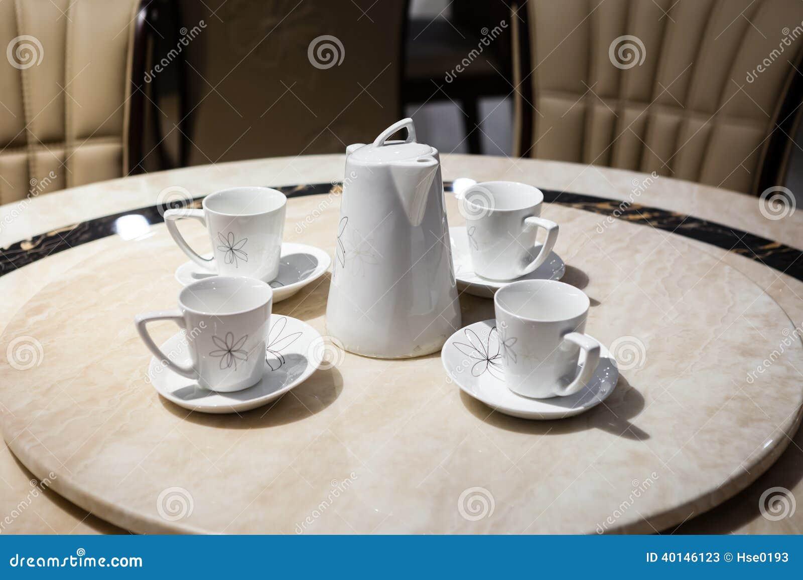 Grupo de chá da porcelana