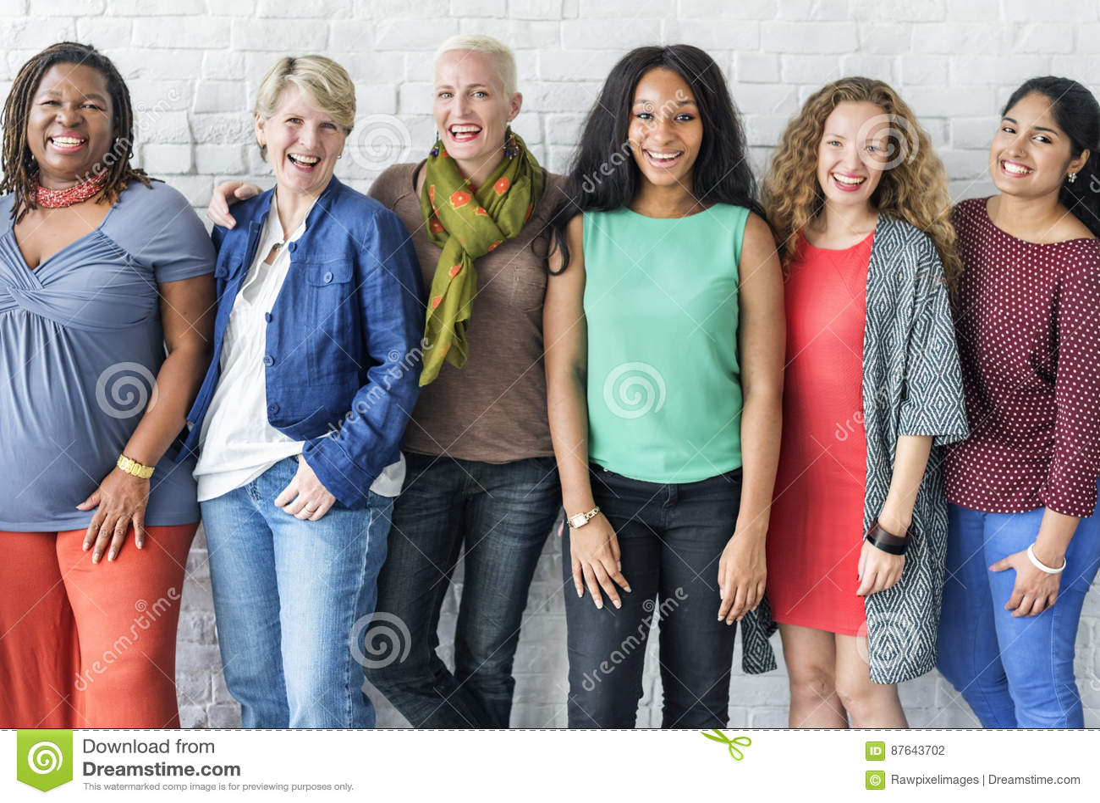 Grupo de conceito alegre da felicidade das mulheres
