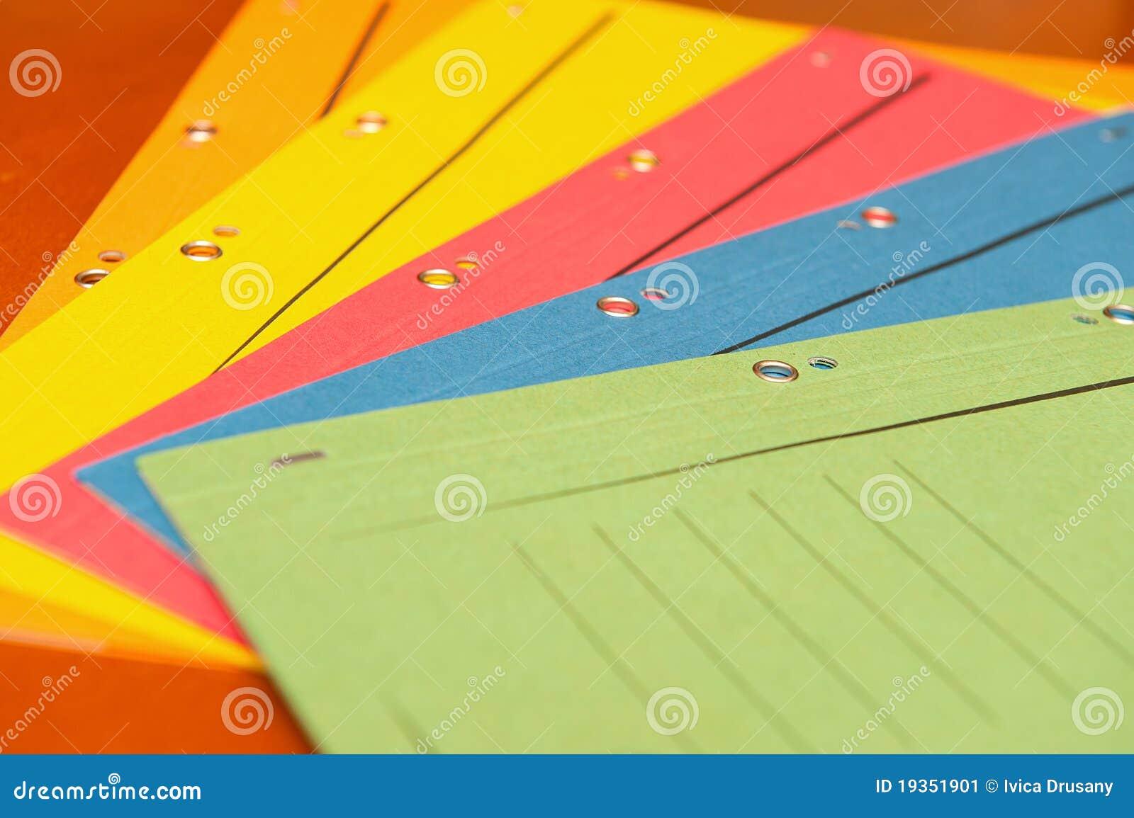 Grupo de dobradores de enchimento coloridos