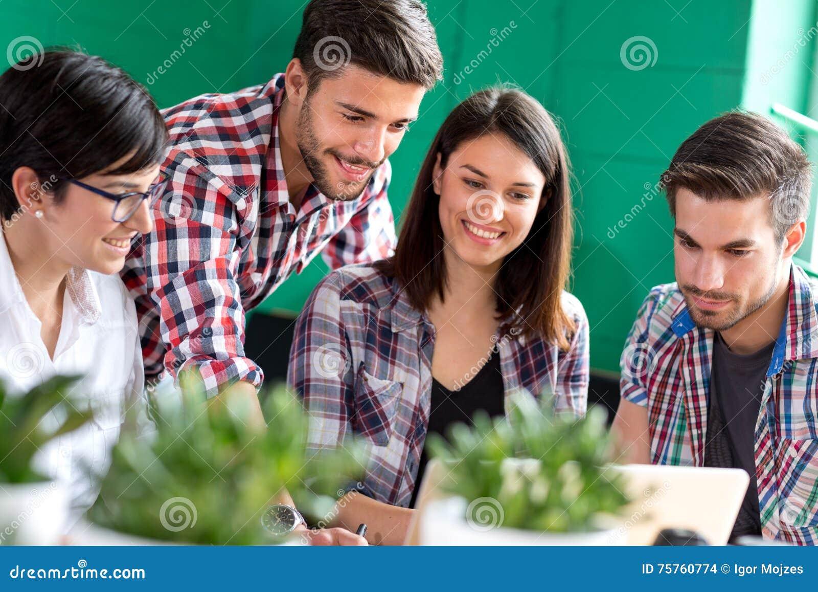 Grupo de estudo dos jovens