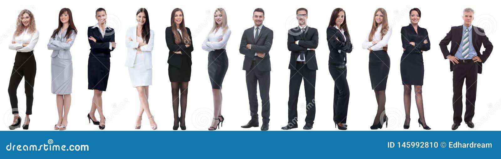 Grupo de executivos bem sucedidos isolados no branco