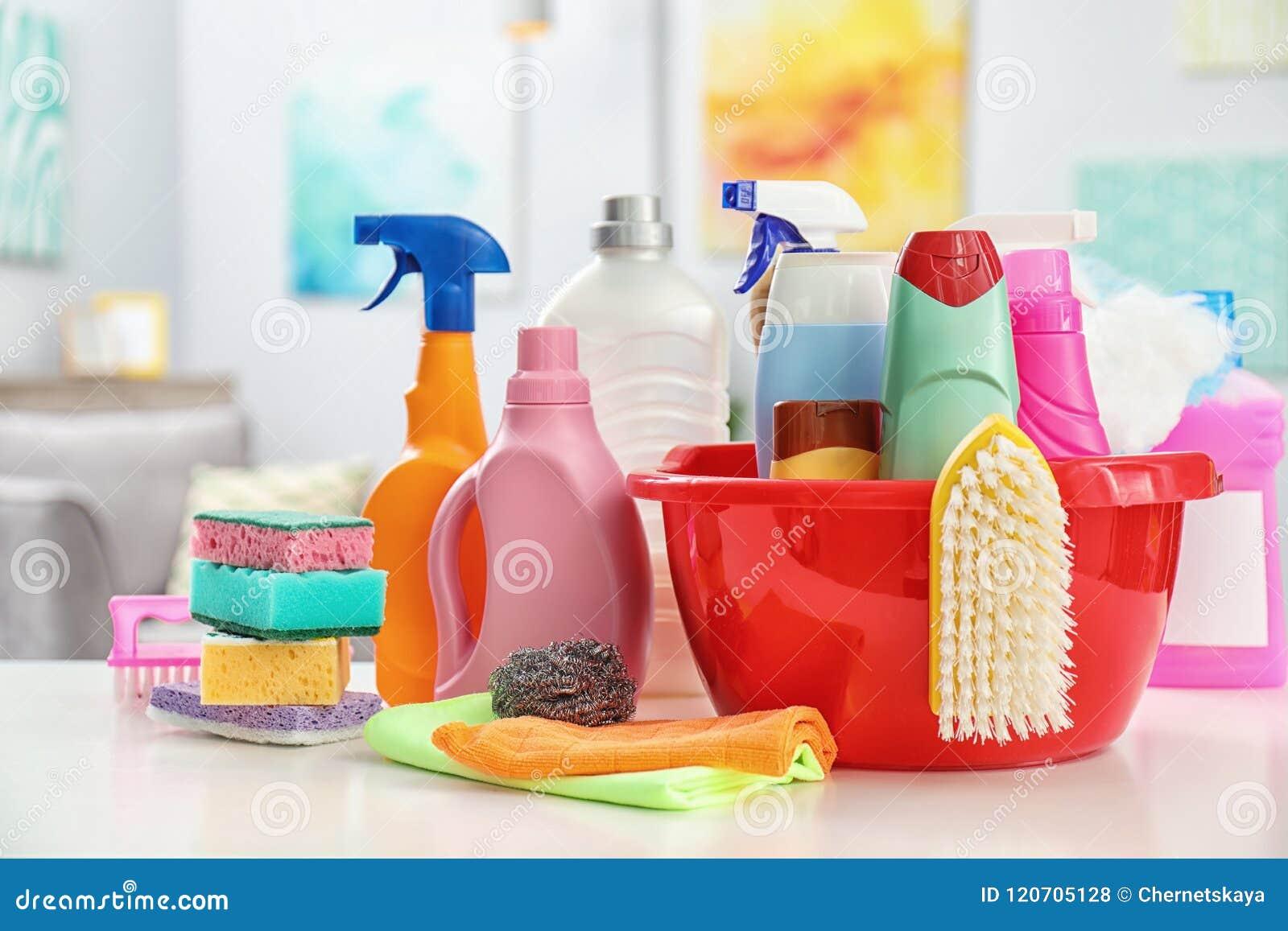 Grupo de fontes de limpeza na tabela
