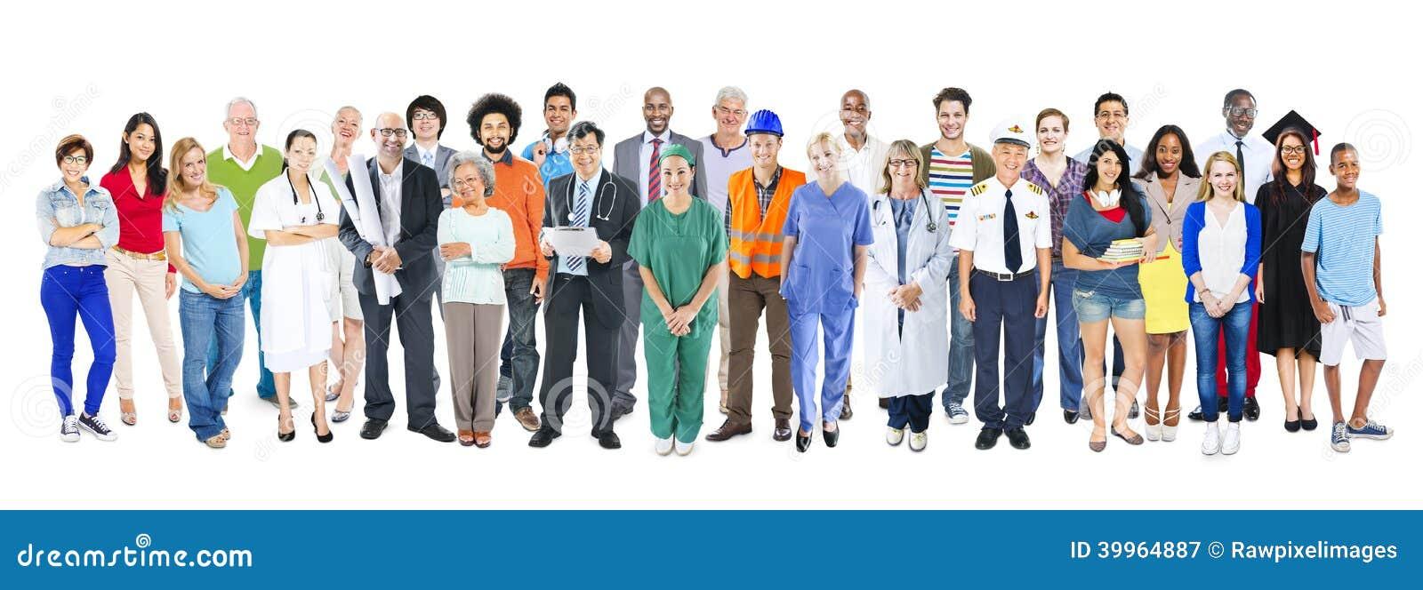 Grupo de gente mezclada diversa multiétnica del empleo