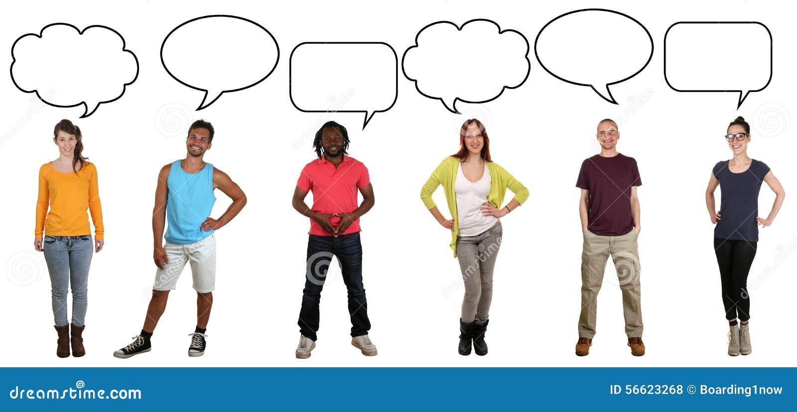 Grupo de jovens que dizem a opinião com bolha e cópia do discurso