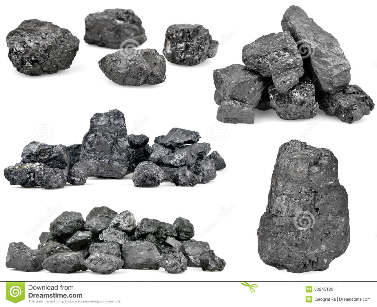 Grupo de pilhas do carvão no branco