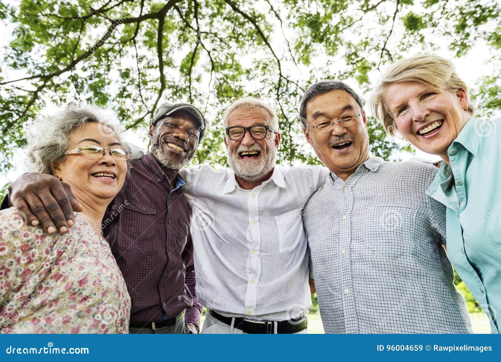 Grupo de reunião superior da discussão da aposentadoria acima do conceito