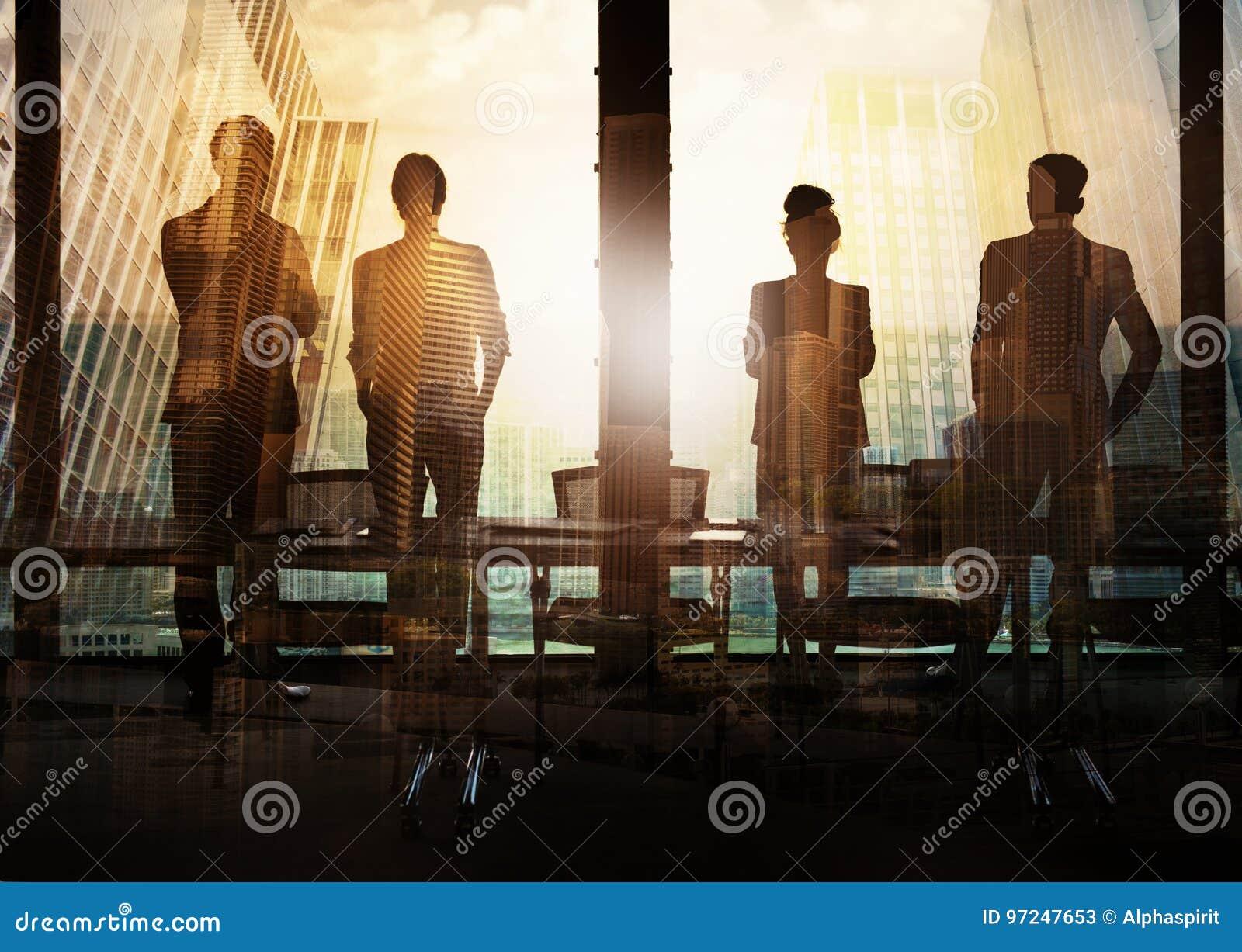 Grupo de socio comercial que busca el futuro Concepto de corporativo y de lanzamiento