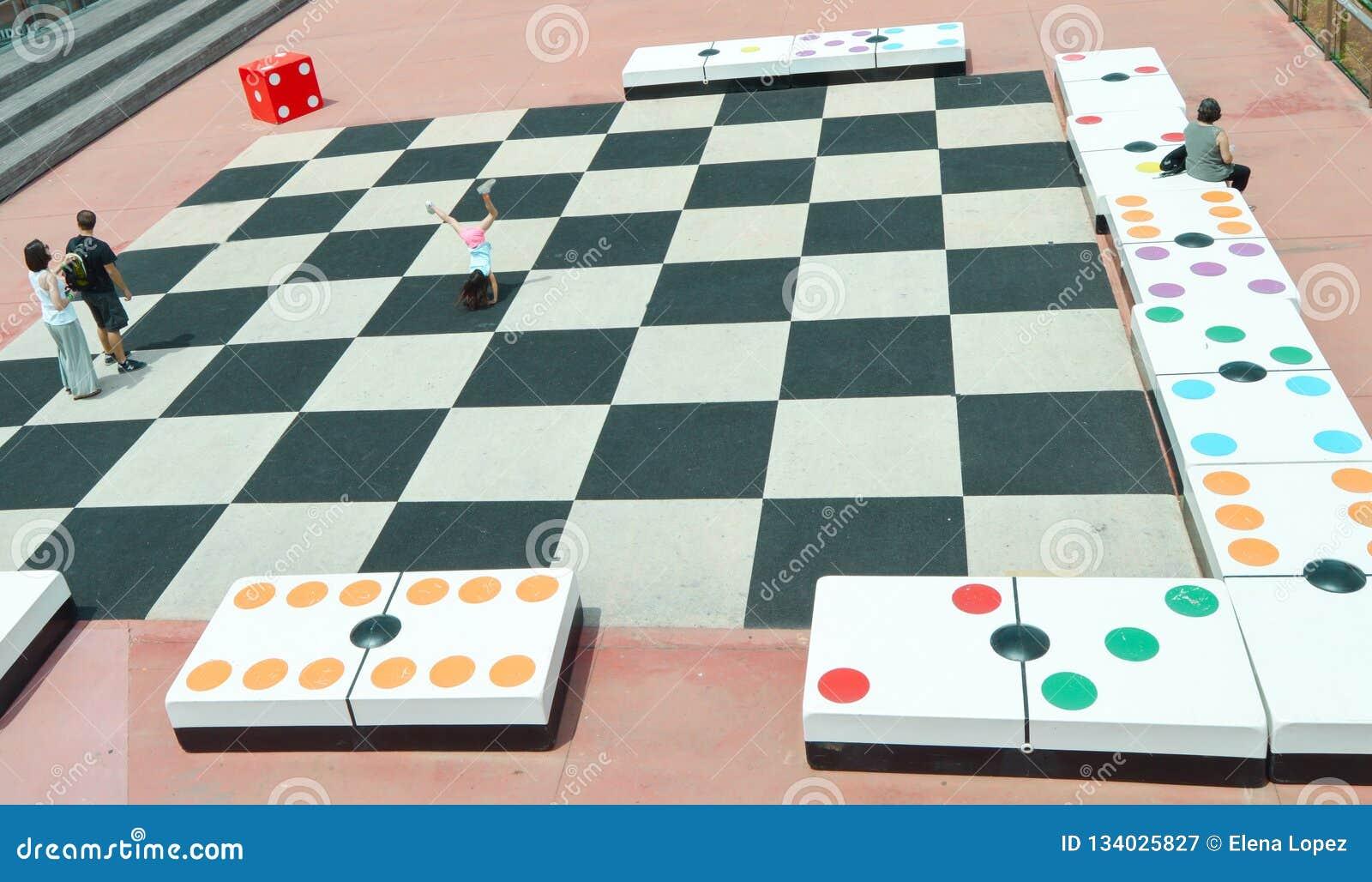 Grupo gigante dos dominós