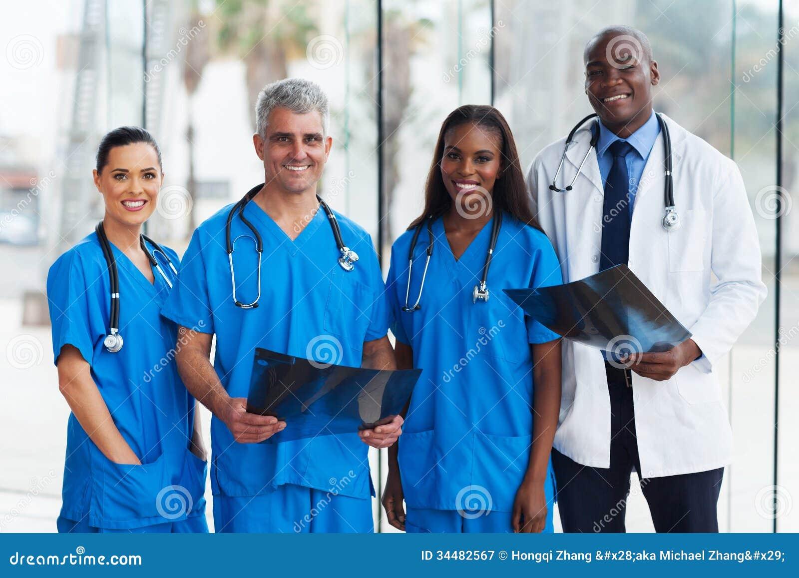 Grupowi lekarzi medycyny