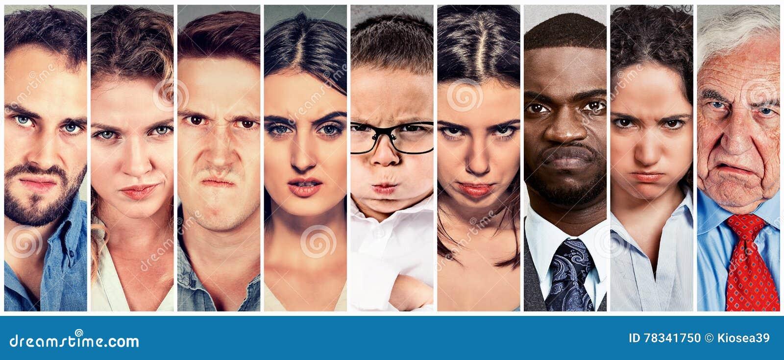 Grupp av ilskna vresiga folkmän och kvinnor