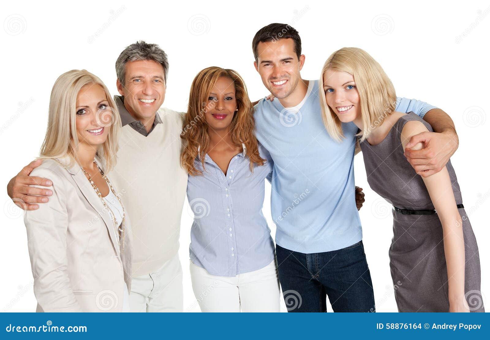 Grupp av lyckligt le för folk som isoleras över vit