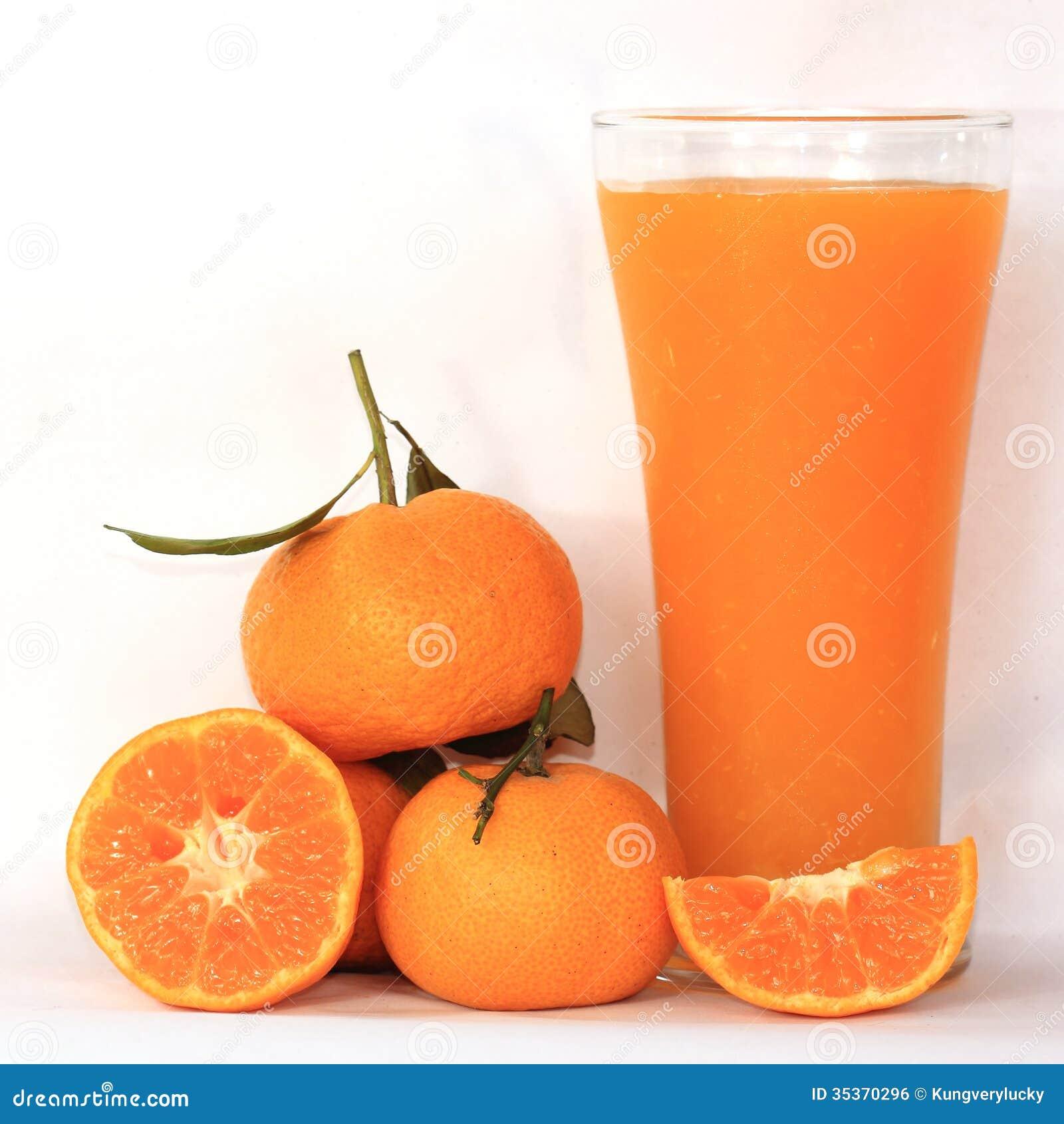 Grupp av orange och orange fruktsaft