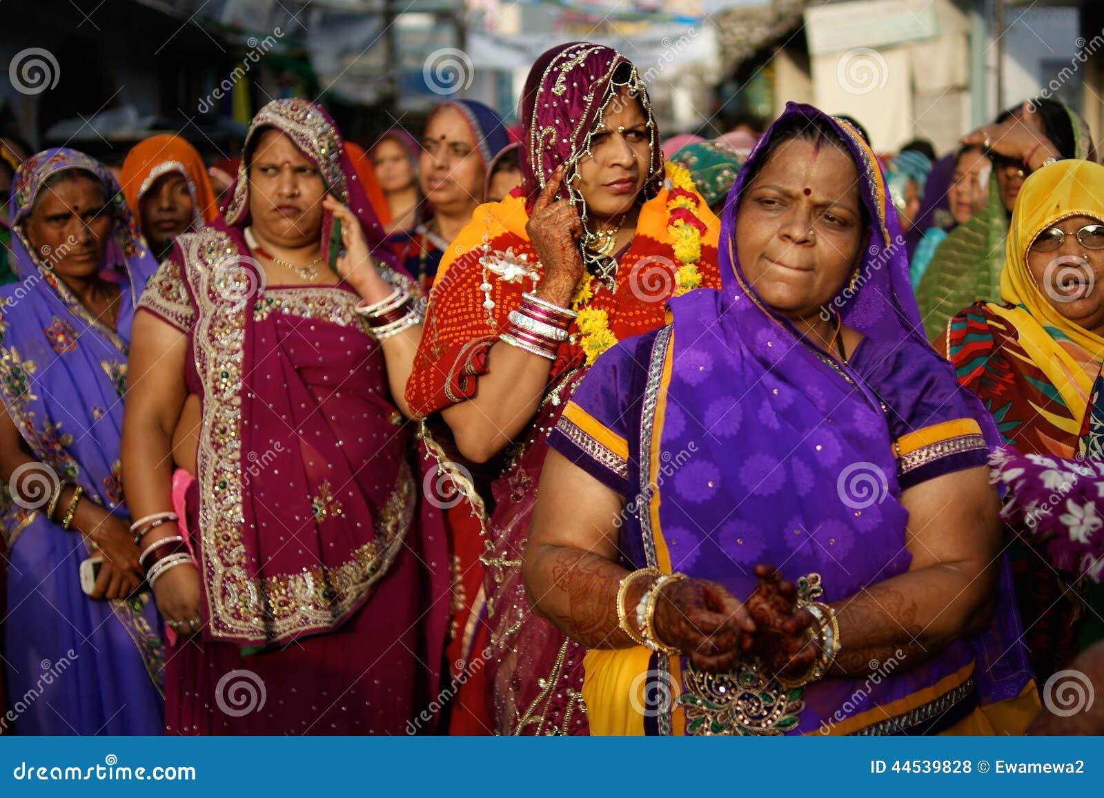 Single frauen indien