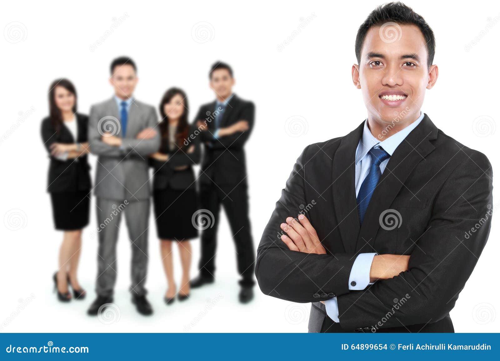 Gruppe des asiatischen jungen Wirtschaftlers
