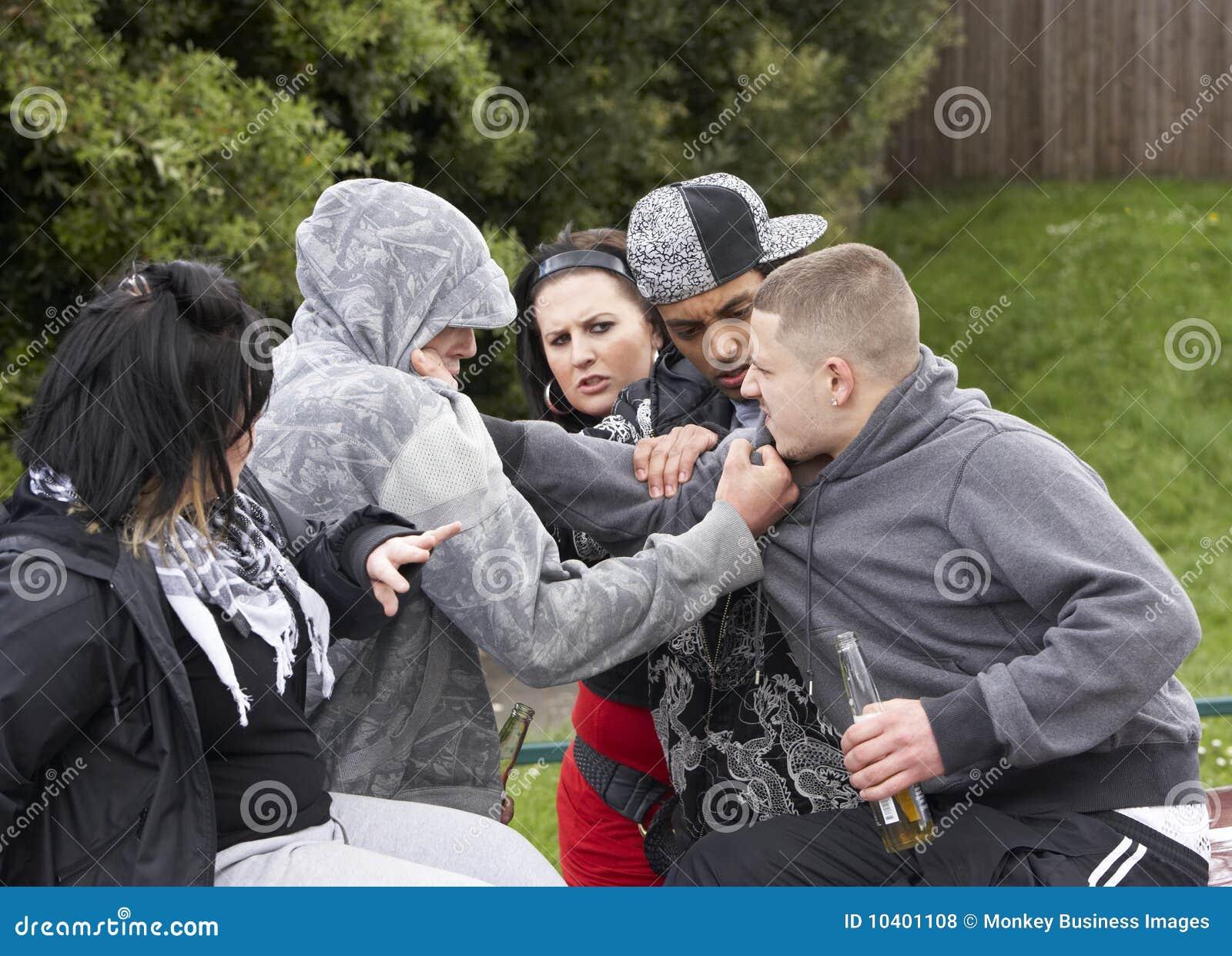 Gruppe des Jugend-Kämpfens