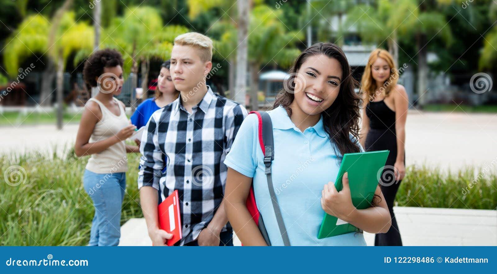 Gruppe internationale Jugendstudenten