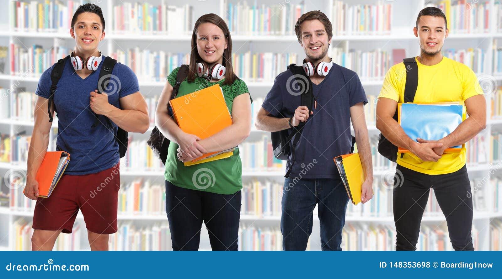Gruppe Studenten studieren junge Leute der Ausbildungsbibliotheksfahne