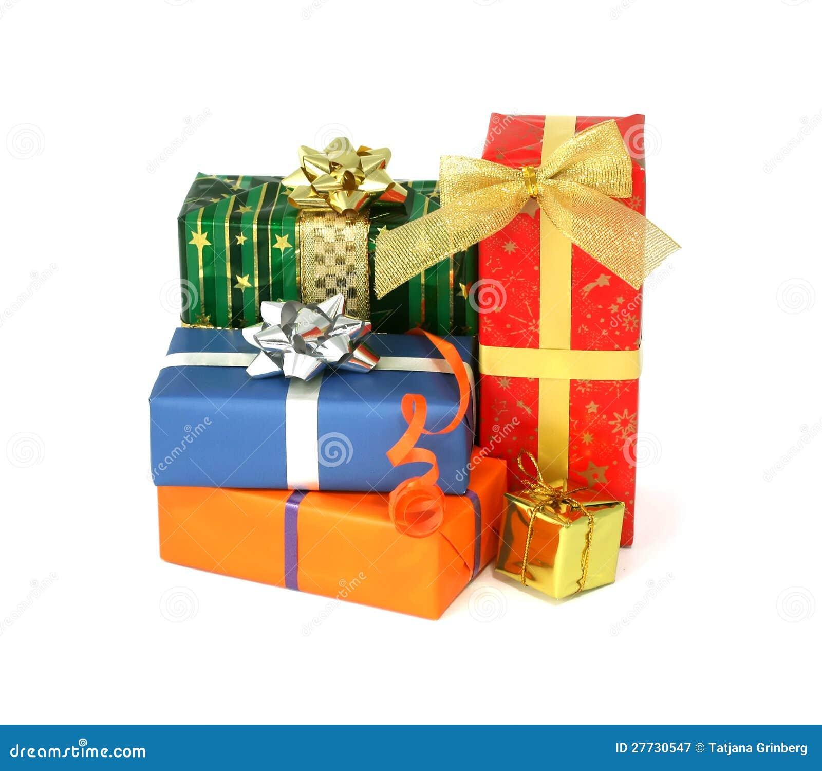 Gruppe Weihnachtsgeschenke getrennt auf Weiß