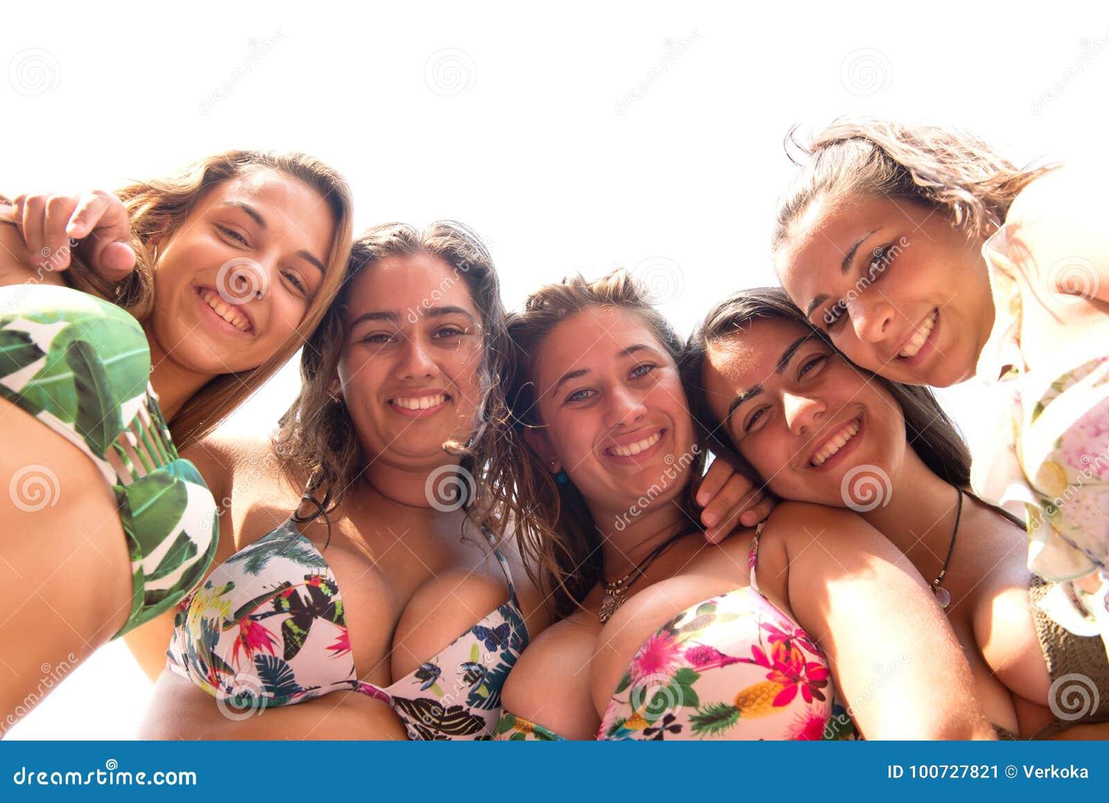Gruppo degli amici della spiaggia