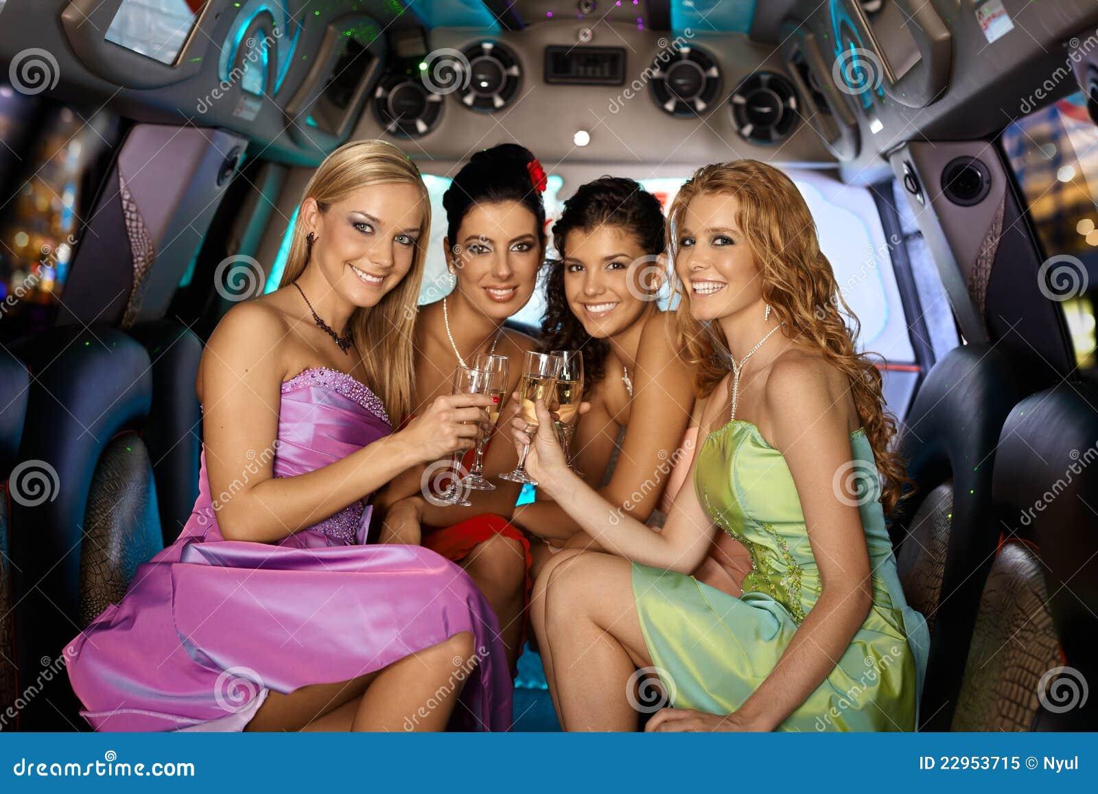 Русские женщины на вечеринках, Русские порно вечеринки: смотреть секс видео онлайн 24 фотография