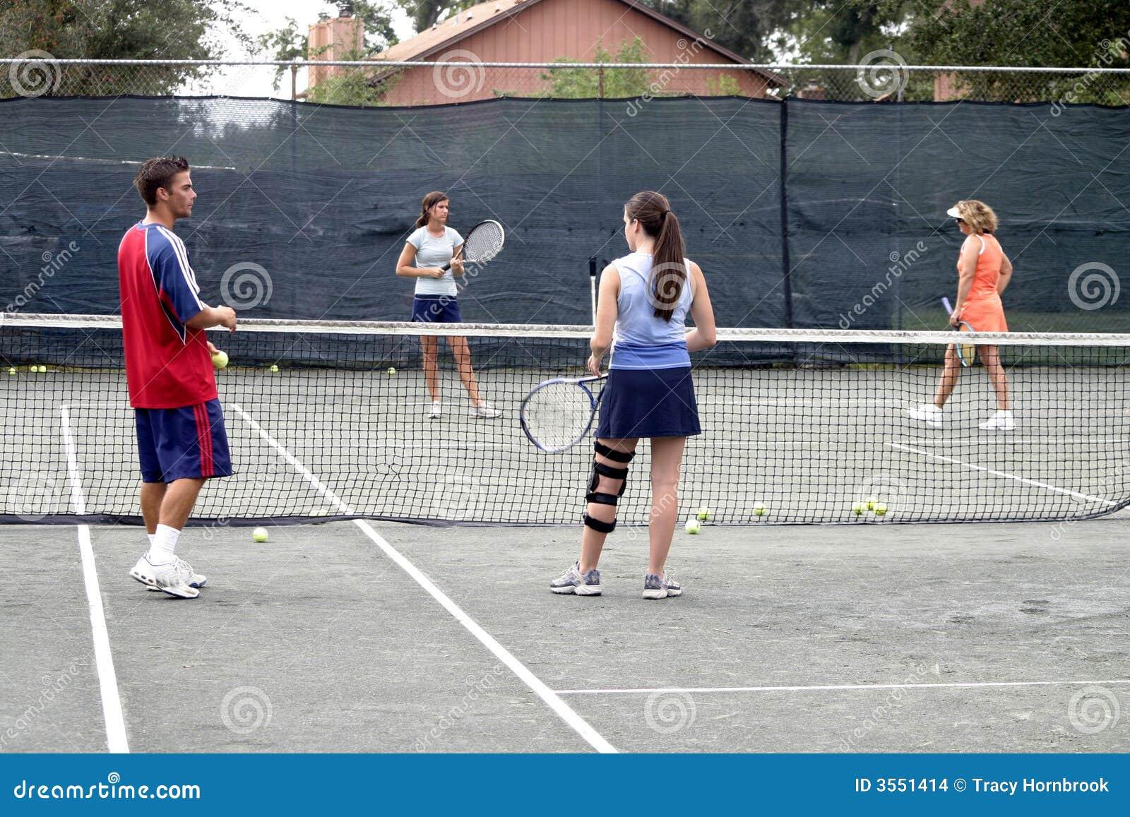 Gruppo di giocatori di tennis