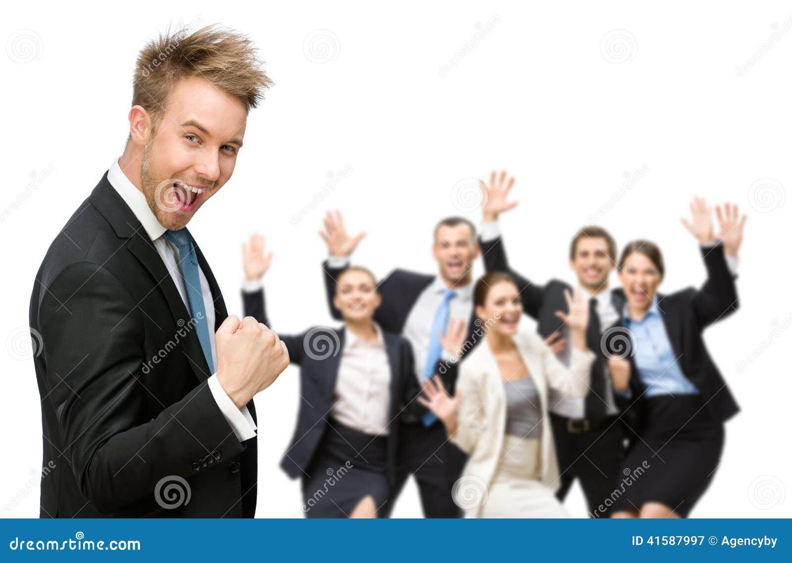 Gruppo di gruppo allegro di executivesBusiness che celebra trionfo
