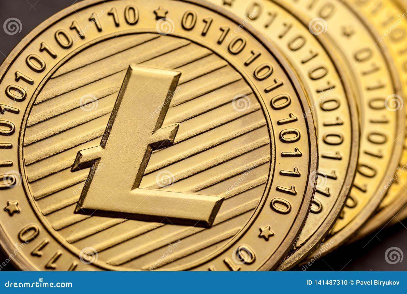 Gruppo di monete dorate del litecoin, primo piano