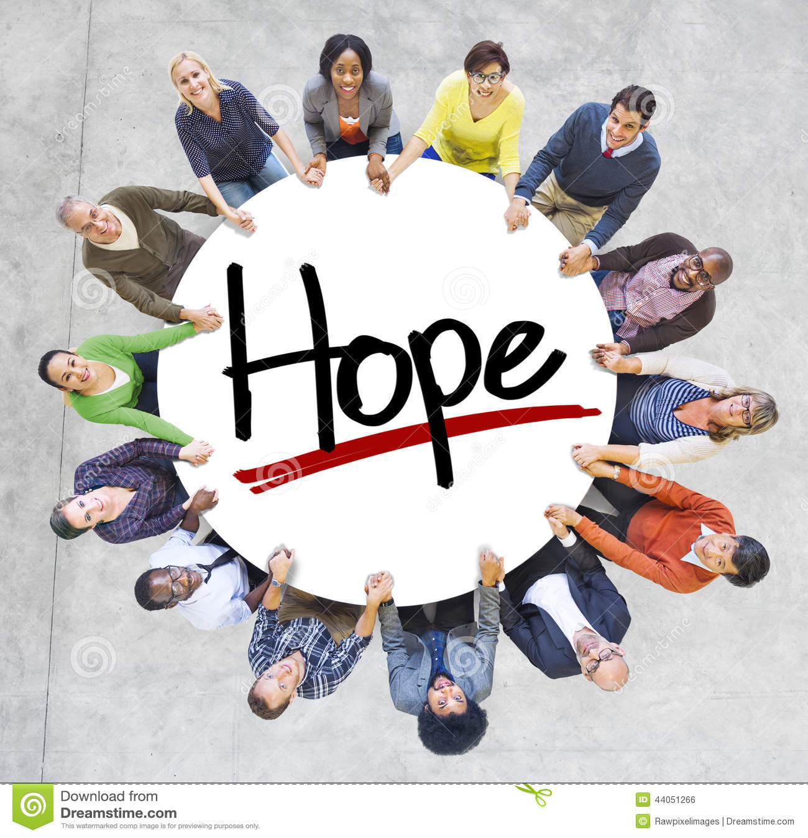 Gruppo di persone che si tengono per mano intorno alla speranza della lettera