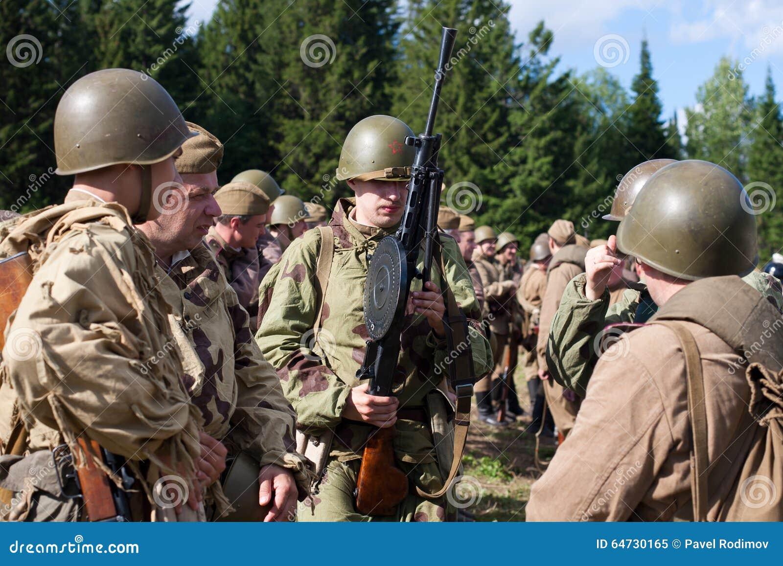 Gruppo di soldati sovietici della seconda guerra mondiale