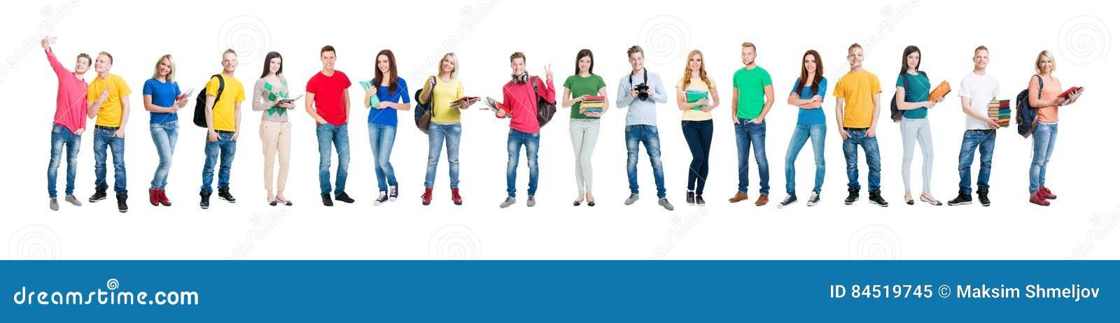 Gruppo di studenti adolescenti isolati su bianco