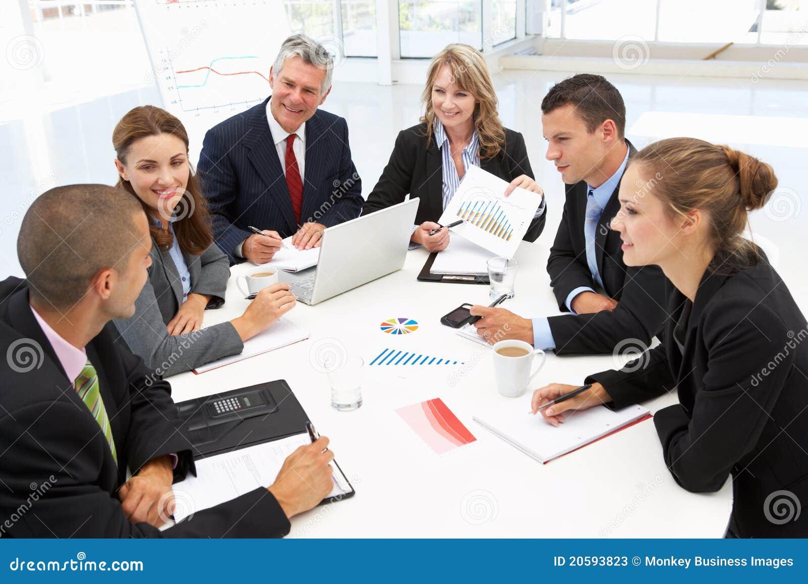 Gruppo Mixed nella riunione d affari