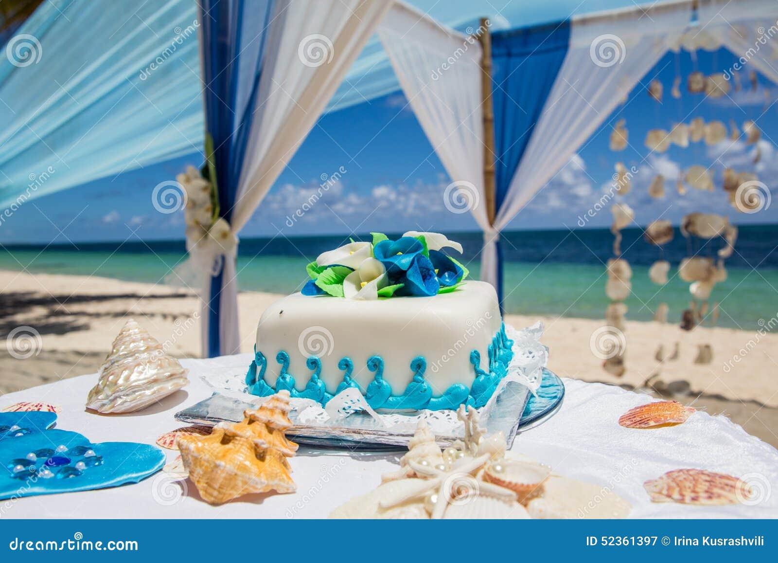 G teau de mariage pour la c r monie de mariage de plage for Robes de mariage pour la plage