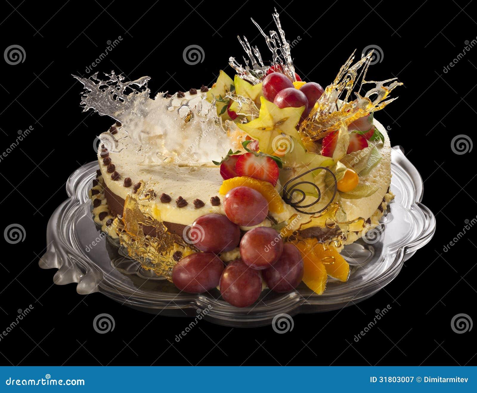 Gateau De Mousse Decore Des Fruits Photographie stock ...