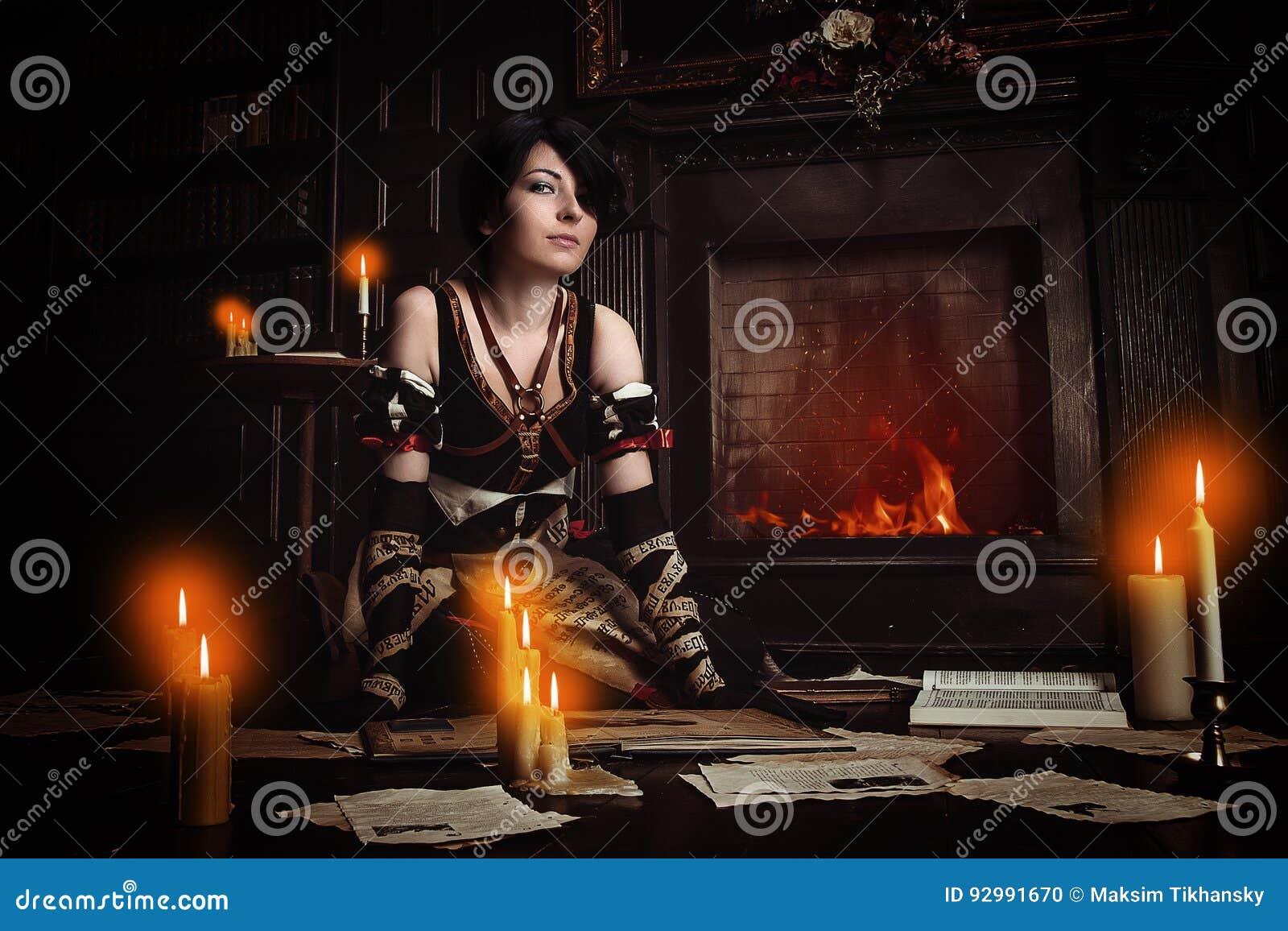 Guślarka z książkami