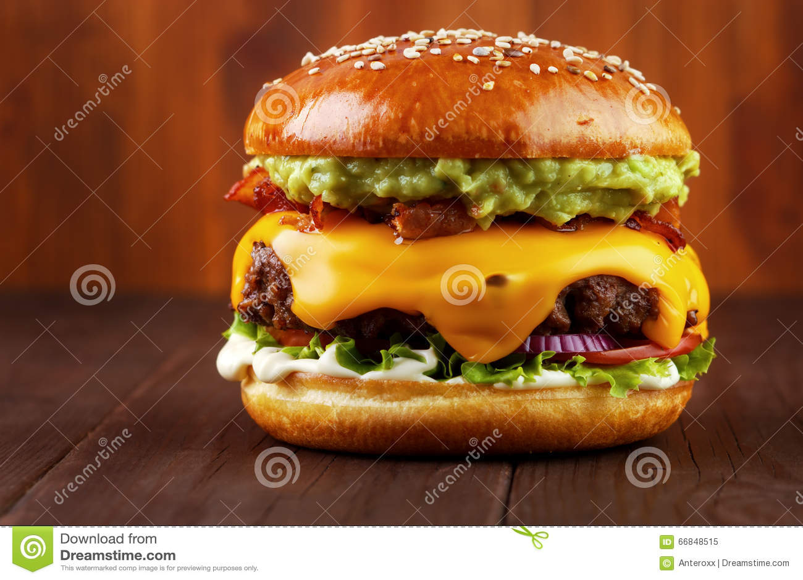 Guacamole beef burger